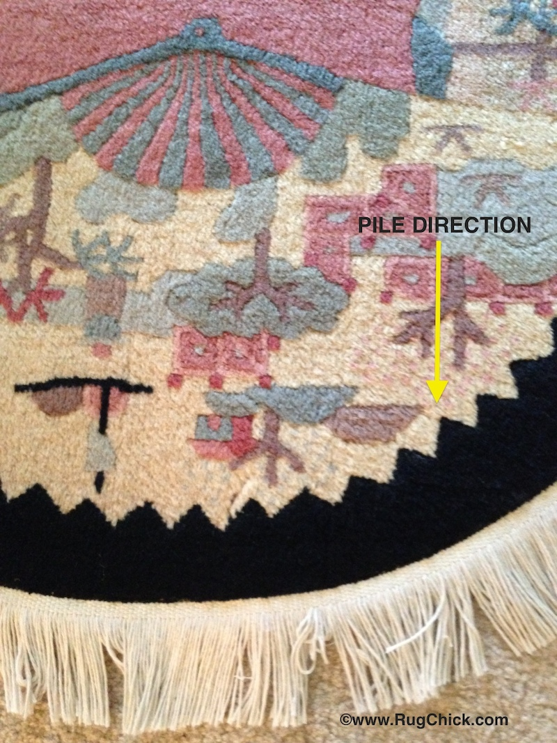 Pile direction is pointing downward on this Fette Chinese rug.