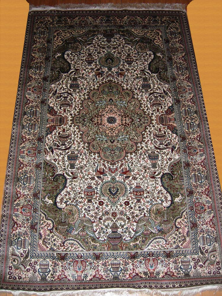 Cultivated high quality silk hand woven rug from China
