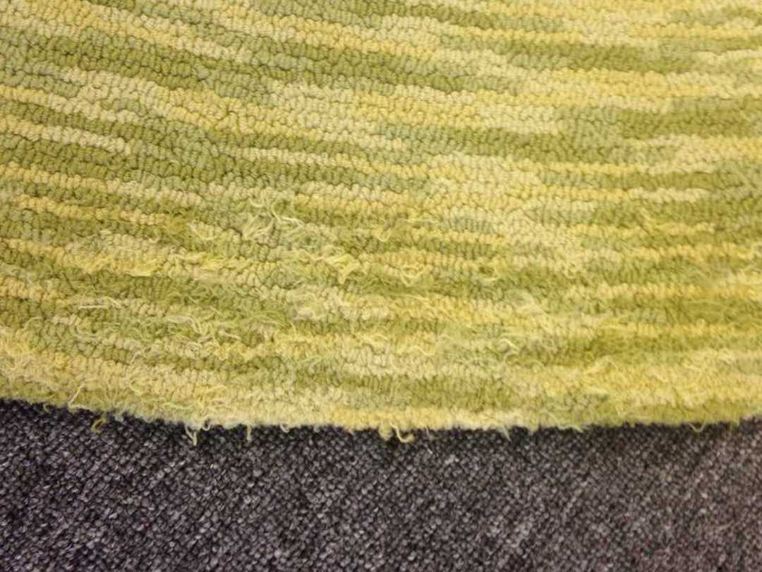 Shedding high-quality tufted rug